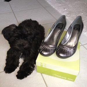 Gianni Bini silver heels, 6.5, NIB